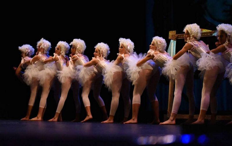 ballet / theatre photographer image - ballet group on stage